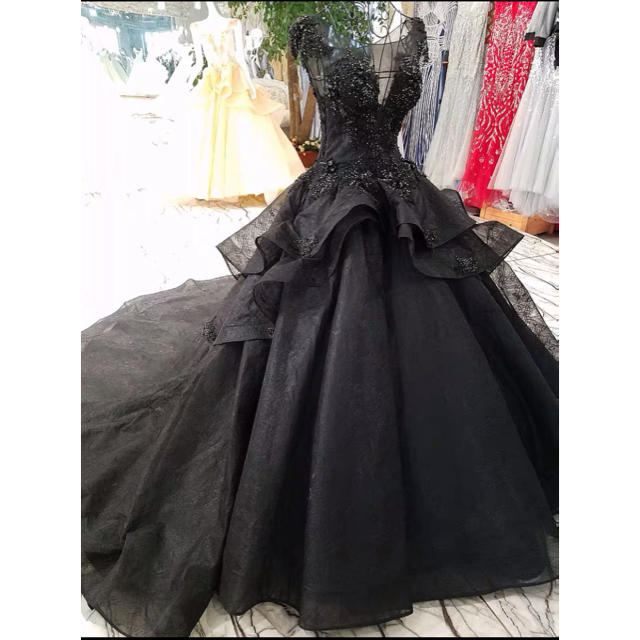 ウェディングドレス 黒