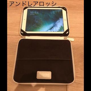 アンドレアロッシ(Andrea Rossi)の【新品、未使用】アンドレアロッシ iPadケース☆ホワイト 白 クラッチバッグ(ビジネスバッグ)