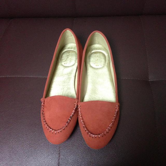 shuca(シュカ)の【値下】shuca 春のオレンジパンプス レディースの靴/シューズ(ローファー/革靴)の商品写真