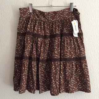 ユニクロ(UNIQLO)の*新品未使用   ユニクロ  スカート*(ひざ丈スカート)
