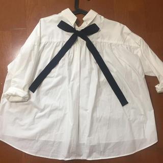 アーバンリサーチ(URBAN RESEARCH)のURBAN RESEARCH ♡バックリボンシャツ(シャツ/ブラウス(長袖/七分))