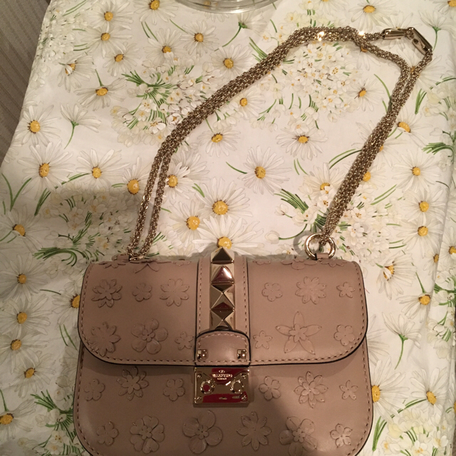 VALENTINO(ヴァレンティノ)のヴァレンティノ ショルダーバック お値下げしました レディースのバッグ(ショルダーバッグ)の商品写真