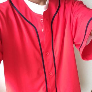 赤のベースボールシャツ♪重ね着にオススメ(シャツ)