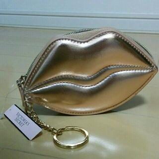 ヴィクトリアズシークレット(Victoria's Secret)のヴィクトリアシークレット 唇ポーチ ピンクゴールド(ポーチ)