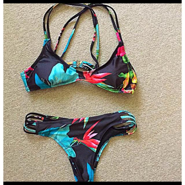 水着 ビキニ ボタニカル ブラック レディースの水着/浴衣(水着)の商品写真