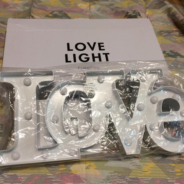 Francfranc(フランフラン)の本体分2850円!幅46cm 電池付きすぐ使える Love マーキーライト インテリア/住まい/日用品のライト/照明/LED(その他)の商品写真