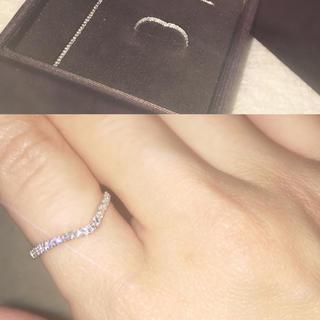 ヨンドシー(4℃)の10KホワイトゴールドV字リング(リング(指輪))