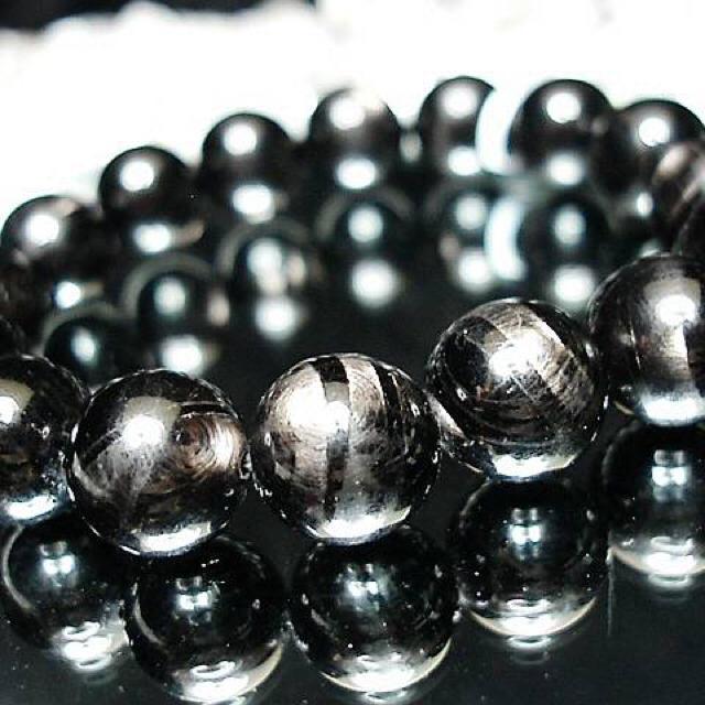 希少天然石大玉4Aブラックムーンストーン約13ミリ数珠石街 メンズのアクセサリー(ブレスレット)の商品写真