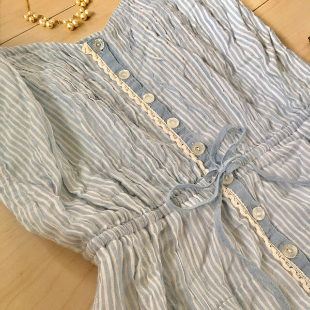 me & me couture(ミーアンドミークチュール)のme & me couture ワンピース ブルー ストライプ レディースのワンピース(ひざ丈ワンピース)の商品写真