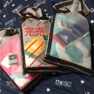 アディダス(adidas)のadidasスポーツタオル  プレゼント包装あり(タオル/バス用品)