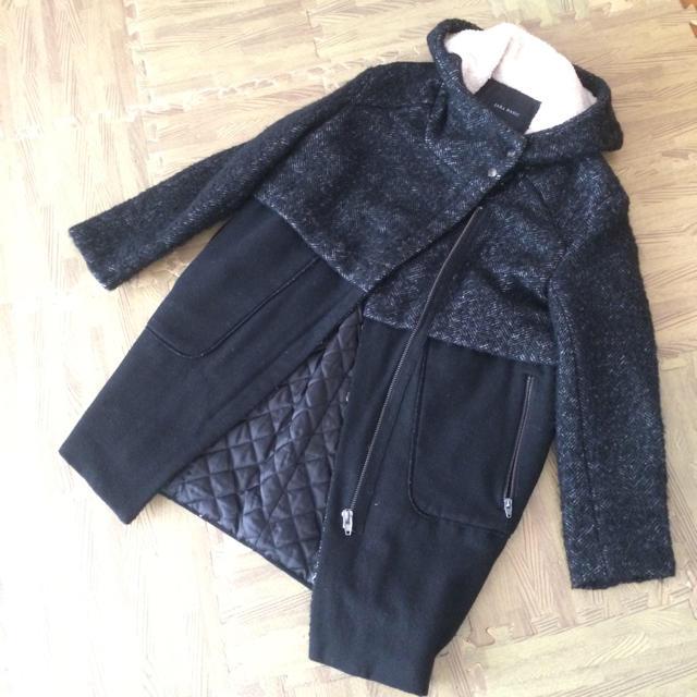ZARA(ザラ)のZARA ブラックコート レディースのジャケット/アウター(ロングコート)の商品写真
