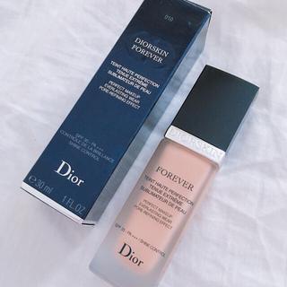ディオール(Dior)のDior ディオールスキン フォーエヴァー フルイド 10 アイボリー 美品(ファンデーション)