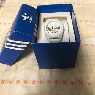 アディダス(adidas)のadidas 腕時計 白(腕時計)