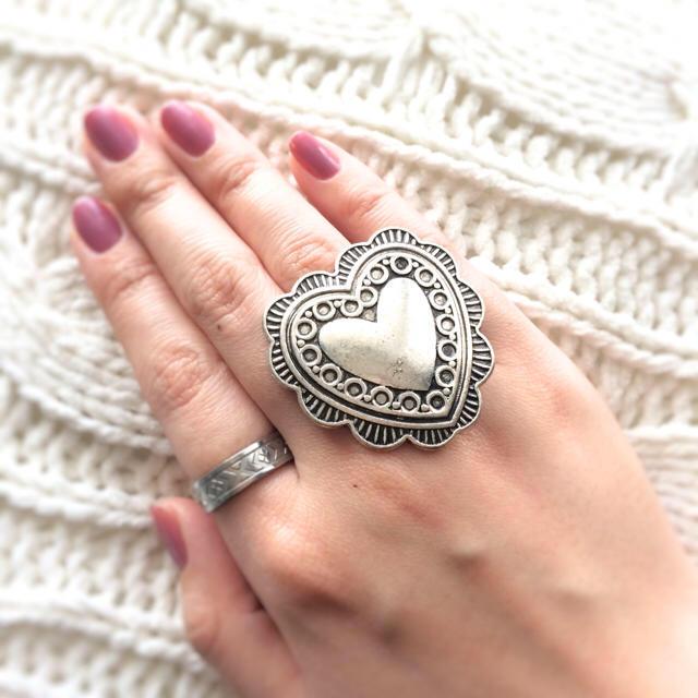 在庫ラスト1点★ビッグハートシルバーコンチョリング 指輪 ハート コンチョ ハンドメイドのアクセサリー(リング)の商品写真