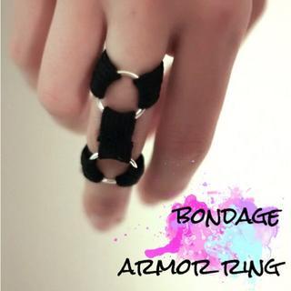 入手困難❤️ボンデージ アーマーリング 指輪 ハーネス ヴィヴィアン好きに♪(リング(指輪))