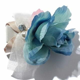 スリーフォータイム(ThreeFourTime)の花ビッグクリップ[ブルー](バレッタ/ヘアクリップ)