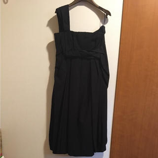 グッチ(Gucci)の【美品・値引き交渉可】GUCCI ドレス(ミディアムドレス)