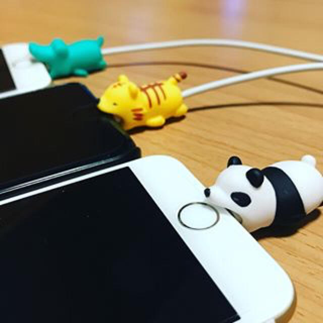 iPhone純正ケーブル(ケーブルバイト スマホ/家電/カメラ