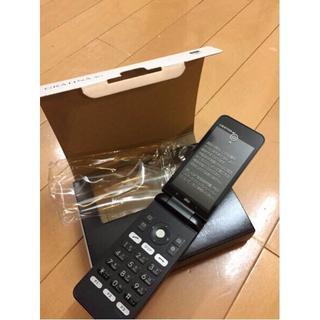 キョウセラ(京セラ)の新品 au GRATINA 4G KYF31 ブラック SIMフリー化可能(携帯電話本体)