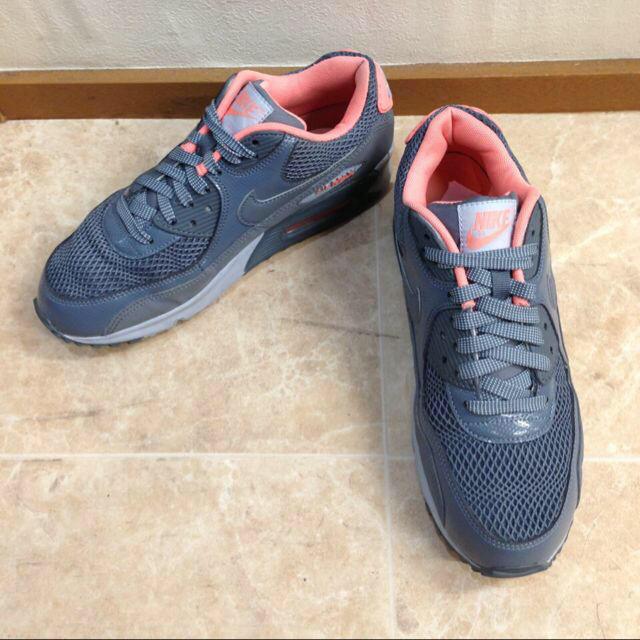 NIKE(ナイキ)のNIKE スニーカー AIRMAX レディースの靴/シューズ(スニーカー)の商品写真
