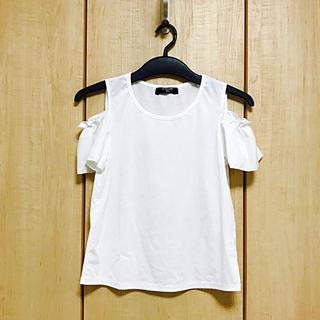 シマムラ(しまむら)の☆新品☆しまむら♡オフショル カットソー♡ホワイト♡白(カットソー(半袖/袖なし))