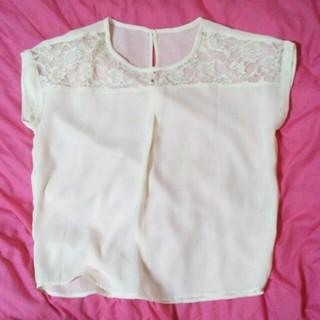 ジーユー(GU)のレースチュニック(シャツ/ブラウス(半袖/袖なし))