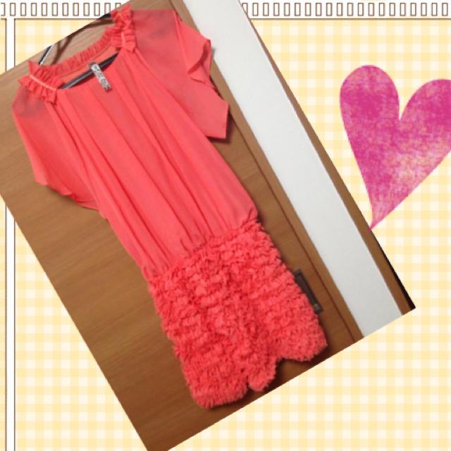 サーモンピンク 華やかドレス 美品 レディースのフォーマル/ドレス(ミディアムドレス)の商品写真