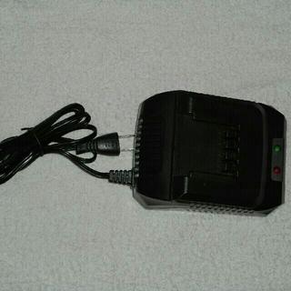 ヤマゼン(山善)の山善専用指定草刈機専用バッテリー(充電器付き) LBC-2AH120(その他)