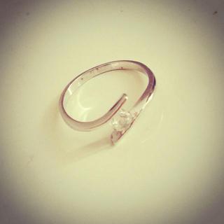 シルバーのピンキーリング(リング(指輪))