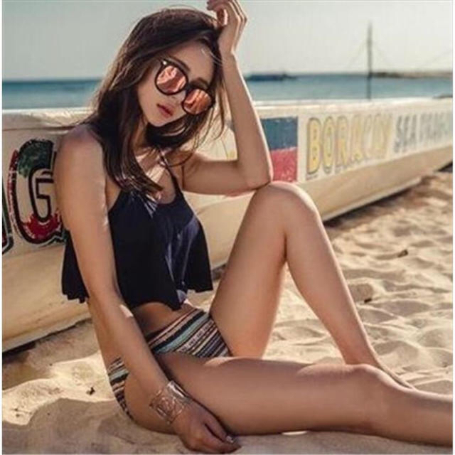 タンキニ フリル ビキニ ブラック 水着 レディースの水着/浴衣(水着)の商品写真