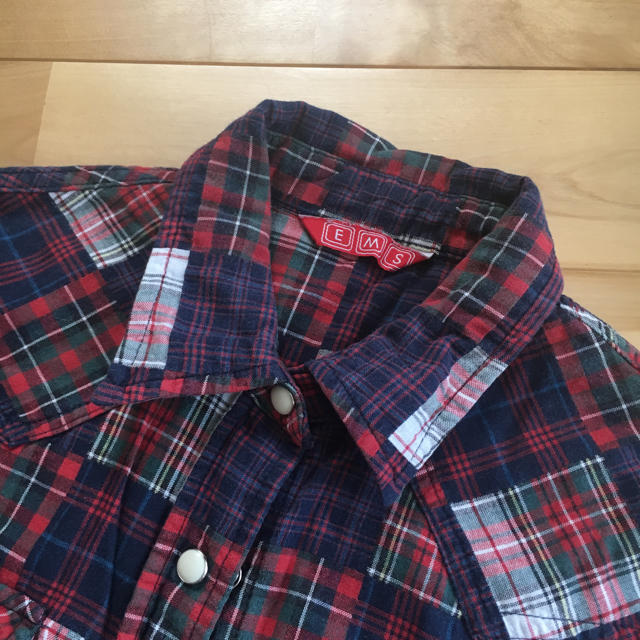 EMSEXCITE(エムズエキサイト)の赤チェックシャツ レディースのトップス(シャツ/ブラウス(長袖/七分))の商品写真