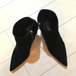 ミュウミュウ(miumiu)のミュウミュウショートブーツ(ブーツ)