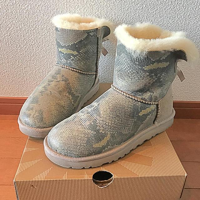 UGG(アグ)のhalfrog様専用   UGG ムートンブーツ グレージュ  レディースの靴/シューズ(ブーツ)の商品写真