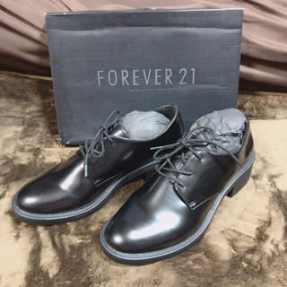 フォーエバートゥエンティーワン(FOREVER 21)の(新品)ゴールドラインオックスフォード(ローファー/革靴)