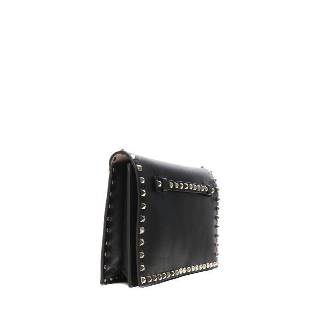 valentino garavani(ヴァレンティノガラヴァーニ)のヴァレンティノ ロックスタッズ クラッチ ゴールドスタッズ ブラック レディースのバッグ(クラッチバッグ)の商品写真