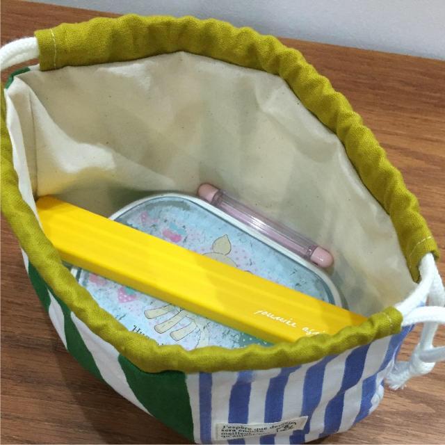 まるい お弁当袋 ★ ストライプ 紺×赤 ハンドメイドのキッズ/ベビー(外出用品)の商品写真