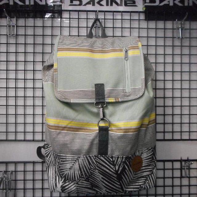 Dakine(ダカイン)のDAKINE リュック レディース レディースのバッグ(リュック/バックパック)の商品写真