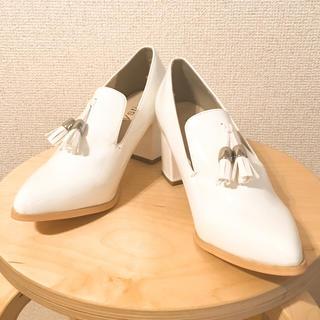 ミスティック(mystic)のmystic 「タッセルローファー(ホワイト)」(ローファー/革靴)