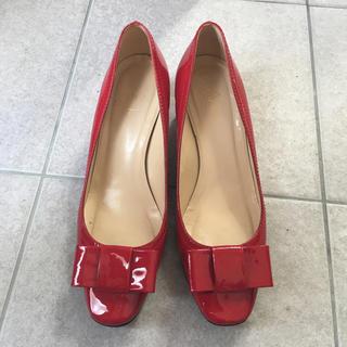 ケイトスペードニューヨーク(kate spade new york)のケイトスペード 大きい 赤 靴(ハイヒール/パンプス)