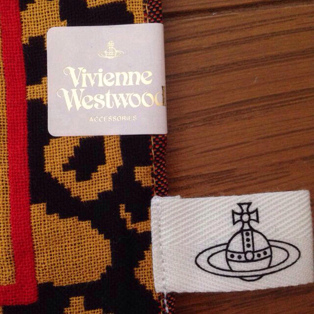 4d23983979e3 Vivienne Westwood(ヴィヴィアンウエストウッド)のVivienne ハンカチ☆ レディースのファッション小物(