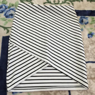 アンズ(ANZU)の美品、アンズ、チューリップスカート(ひざ丈スカート)