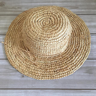 コーエン(coen)のcoen リボンラフィアハット 麦わら帽子 UV対策 ベージュ ナチュラル(麦わら帽子/ストローハット)