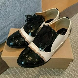 アクシーズファム(axes femme)のバイカラーオックスフォード(ローファー/革靴)