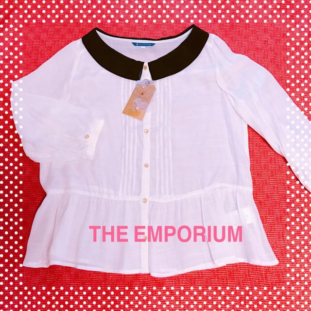 THE EMPORIUM(ジエンポリアム)のブラウス 白×クロ襟 レディースのトップス(シャツ/ブラウス(長袖/七分))の商品写真
