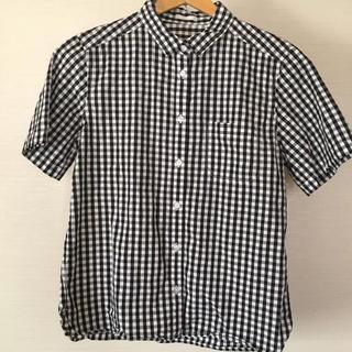 ジーユー(GU)のGU ブラック ギンガムチェック シャツ(シャツ/ブラウス(半袖/袖なし))
