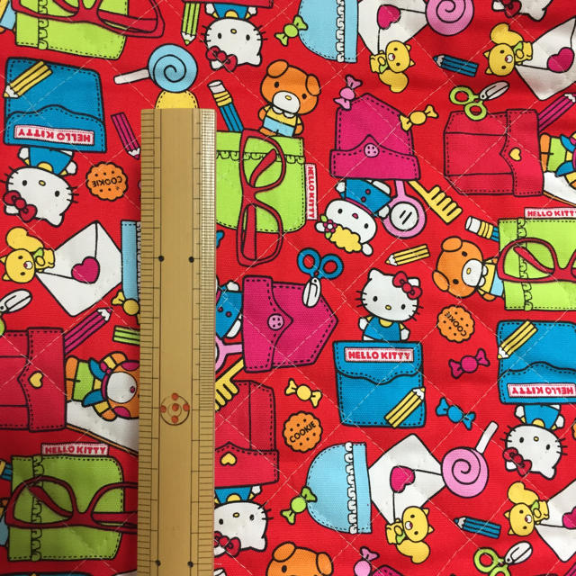サンリオ(サンリオ)のH50×106㎝ サンリオレッド ハンドメイドの素材/材料(生地/糸)の商品写真