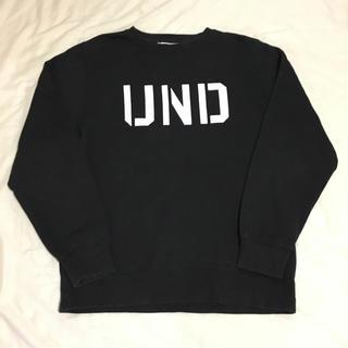 アンディフィーテッド(UNDEFEATED)のUNDEFEATED アンディフィーテッド クルーネック スエット ブラック M(スウェット)