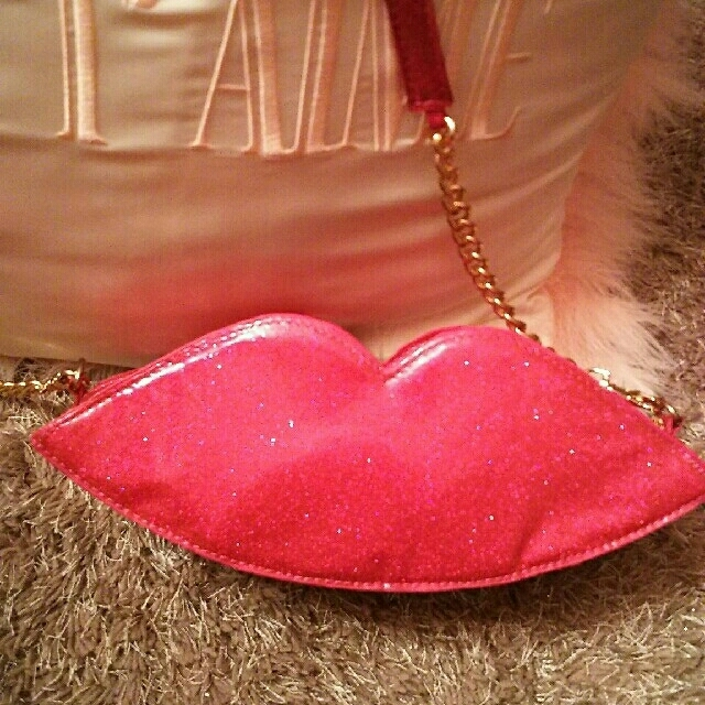 Honey mi Honey(ハニーミーハニー)の最終sale❇ハニーミーハニー💋くちびるバッグ レディースのバッグ(ショルダーバッグ)の商品写真
