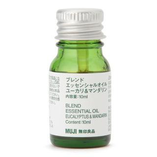 ムジルシリョウヒン(MUJI (無印良品))の新品 無印良品 ブレンドエッセンシャルオイル・ユーカリ&マンダリン(エッセンシャルオイル(精油))