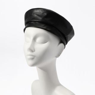 トゥモローランド(TOMORROWLAND)の新品タグ付き☆レザーベレー帽(ハンチング/ベレー帽)